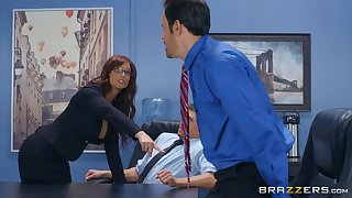 Syren De Mer adores having good sex with her horny boss in the office
