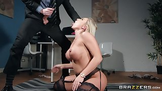 After work Lilli Vanilli just wants to suck hard and fat friend's cock