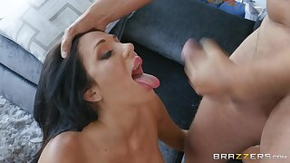 Latina with beamy tits Jaclyn Taylor swallows cum after a fuck