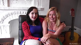 Juliette March together with Dixon Mason seem to be threesome with amateur girl
