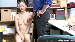 Once she was caught shoplifting, Scarlett Bloom could fuck say no to way out be required of the trouble