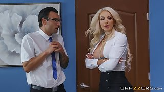 Busty vixen Nicolette Shea hooks in a recover from a lucky gentleman