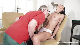 Seductive brunette tries senior inches into her wet holes