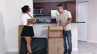 Plump MILF Rose Monroe is a great lay when landing-place a younger man
