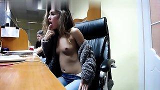 European brunette Albertina yon blah pussy