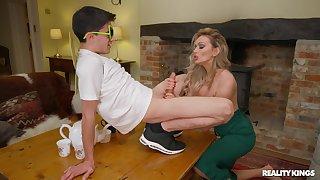 Sophisticated kermis MILF Amber Jayne enlightens a younger man