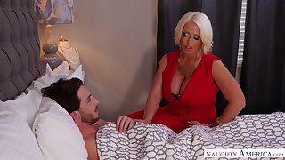 Stepmom using her MILF pussy to heal her stepson and that lady is sexy AF